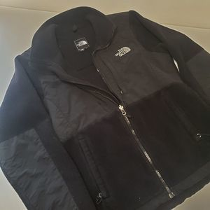 The North Face womens Med Black jacket